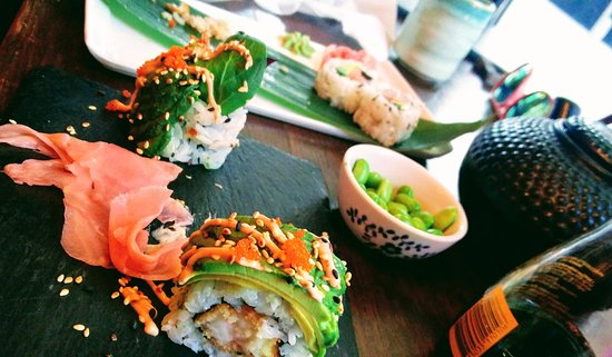 Bromley, UK: (what was left of...) caterpillar and philadelphia rolls with brown rice tea and edamame beans