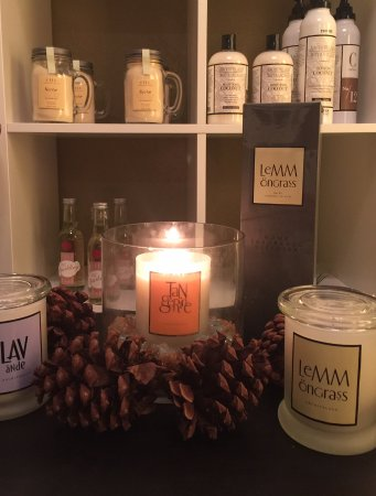 Pecan's Day Spa: Archipelago Candles & Home Diffusers