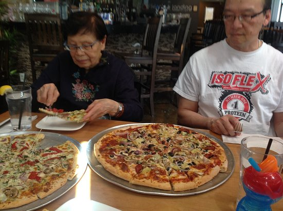 Whitchurch-Stouffville, Canadá: Good thin crust pizzas