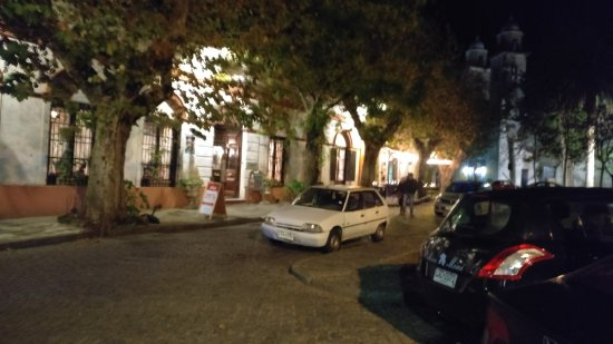 Viejo Barrio Restaurant and Bar : Tentamos ir a noite de sexta feira em maio e rstava fechado.