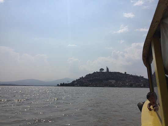 Isla Janitzio: View of island from the water taxi