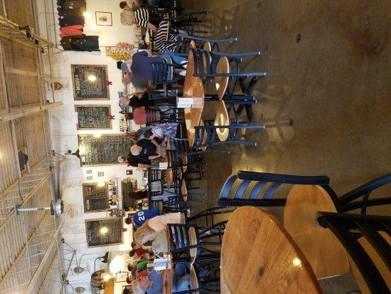 Latrobe: Φιούζιον/Εκλεκτή εστιατόρια