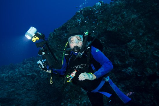 Pacific Rim Divers: This is me diving with photographer off the Kona coast
