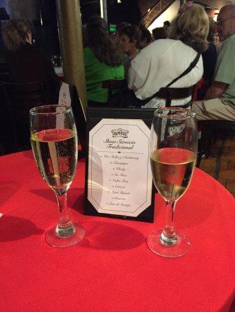 El Viejo Almacén: Bebidas servidas durante o show