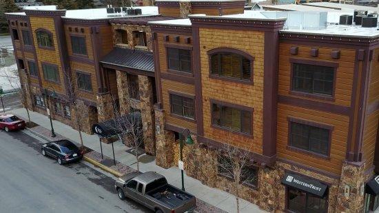 White Buffalo Club - Hotel: front
