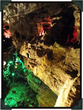 Howes Cave