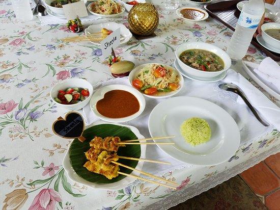 Amita Thai Cooking Class: 20170517_233446_large.jpg