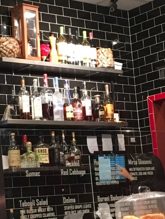 Ellicott City, MD: Well stocked bar