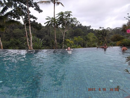 The Infinity Pool Is Huge And Temperature Of The Water Perfect Swim Up To Bar Was Truly Lovely