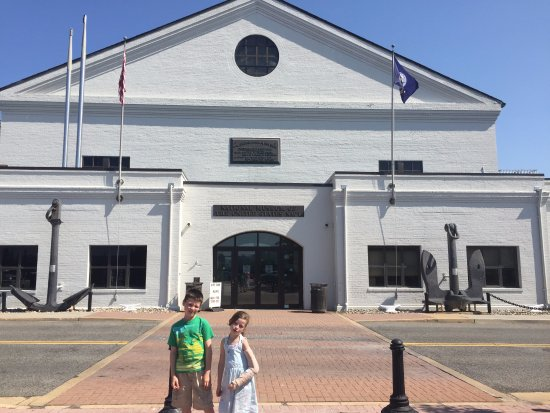 National Museum of the United States Navy: in front of National Museum of US Navy 05-19-2017