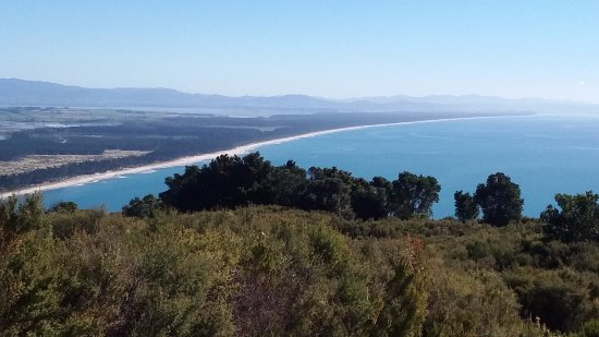 Mount Maunganui, New Zealand: Looking north over Matakana Island up to Waihi & Coromandel Peninsula