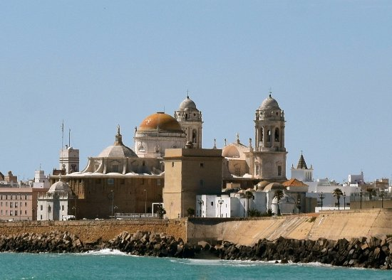 City Sightseeing Cadiz: An example of the ancient. Great thing to do on a Sunday.