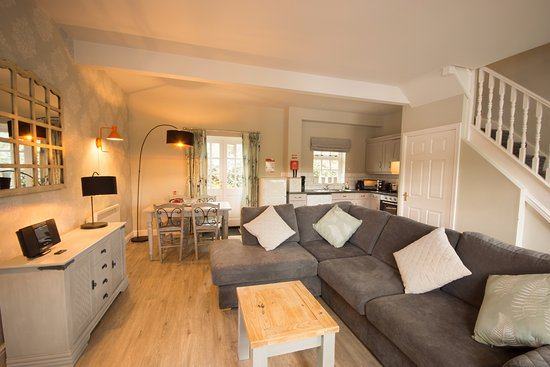 Darley Moor, UK: Tissington Cottage newly upgraded
