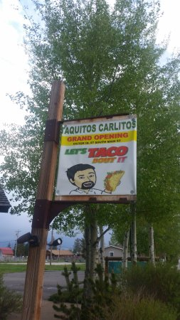 Víctor, ID: Street sign
