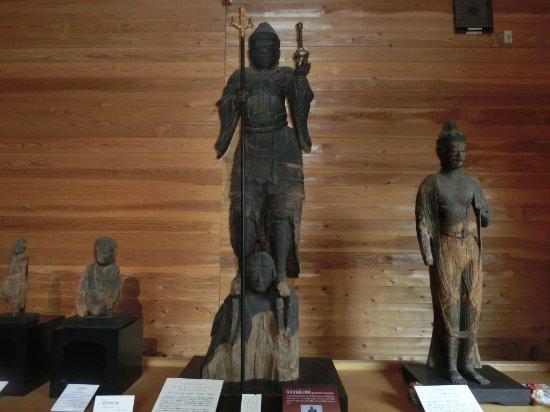 Oshu, Giappone: 藤里毘沙門堂収蔵庫 兜跋(とばつ)毘沙門天