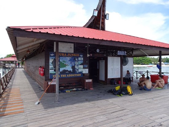 Scuba Junkie Mabul Beach Resort: photo1.jpg