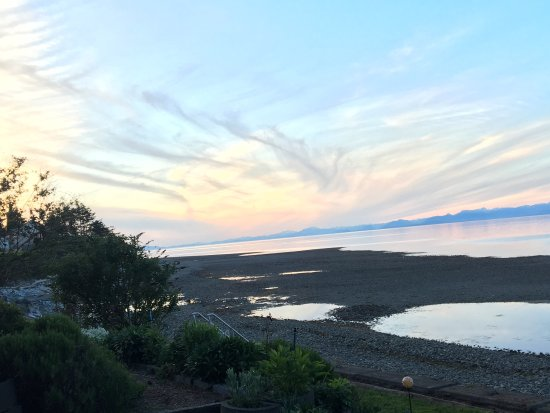 Comox, Καναδάς: This place will take your breath away! it's so peaceful, and relaxing. You literally get up to t