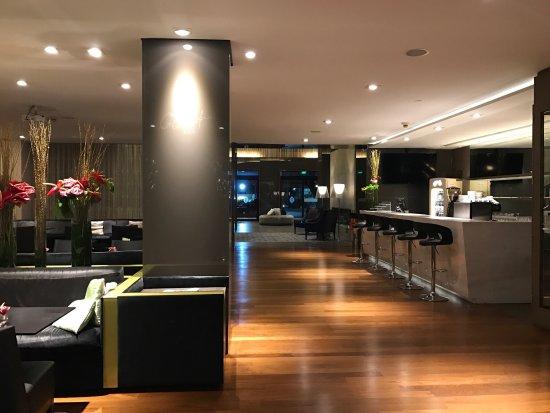 InterContinental Sao Paulo: Hotel impecável: torta de niver, banheiro amplo e limpo, amenities Loccitane, cama king e traves