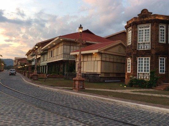 La Puesta del Sol has sunset-view rooms facing the beach