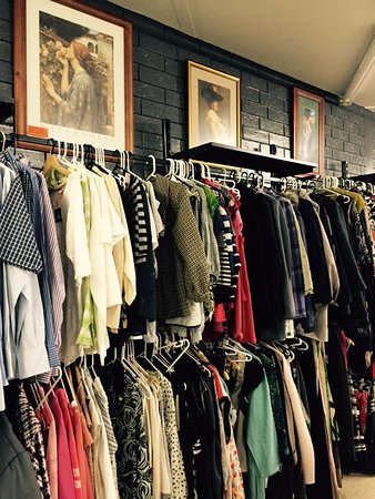 Murray River Tea Rooms A Great Range Of Pre Loved Clothing