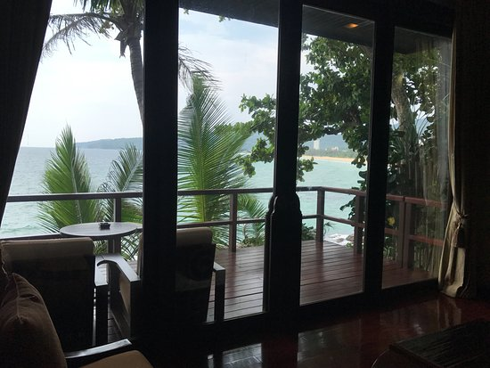 Marina Phuket Resort: view across the deck and out to karon beach