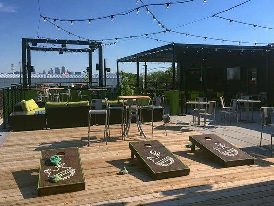 North Kansas City, MO: Rooftop bar
