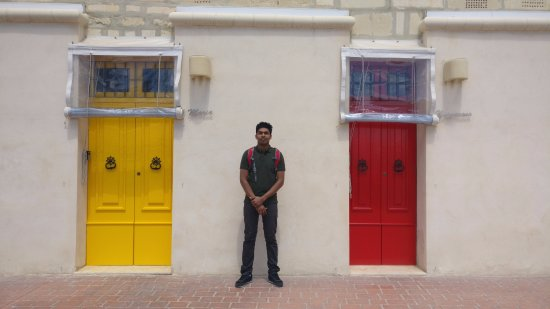 Marsaxlokk, Malta: Bright colored doors