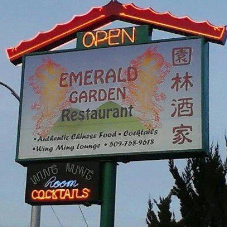Clarkston, WA: Restaurant signage.