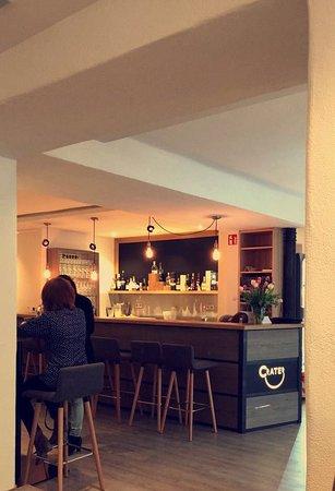 Nordlingen, Germany: Einladende Atmosphäre für den Kaffee am Nachmittag oder den Cocktail am Abend.
