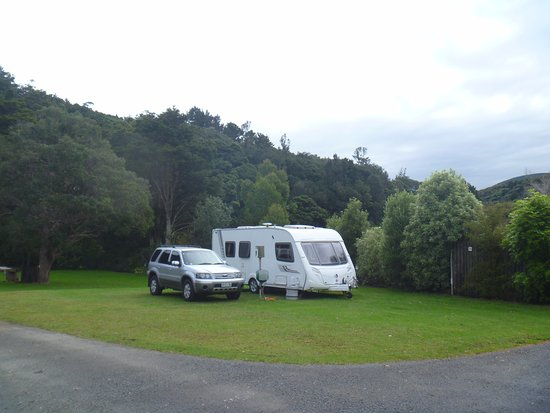 Dargaville, New Zealand: Our caravan; large sites make manoeuvres easy