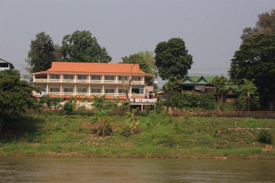 Chiang Khong, Tailandia: View passing along Mekong River