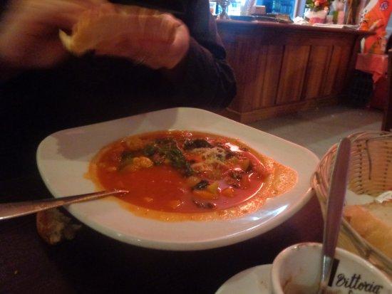 Cafe Bella Rosa: Ministrne soup