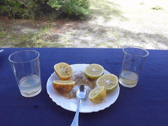 Mahebourg: rhum sucre de canne et citron, un délice