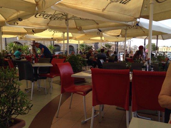 Ta' Xbiex, Malta: Irrera