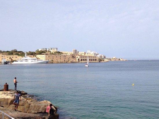 Ta' Xbiex, مالطا: Irrera