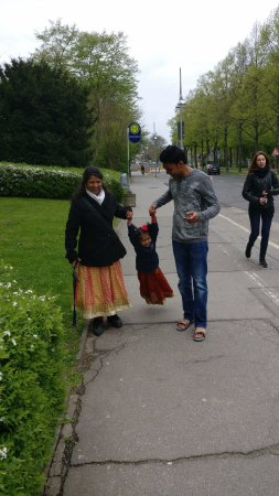 Maschsee: walking to mascee