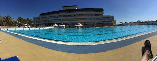 Grand Hotel Continental: Very nice pool. Swimming cap required.