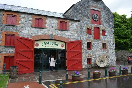 Midleton, Irland: Entracne