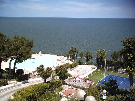 Hotel eden gigli numana italien omd men och for La spiaggiola meuble