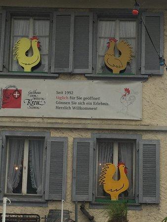 Gasthaus zum weissen Kreuz: Schon von aussen aussergewöhnlich