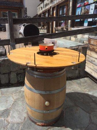 Grimentz, Suíça: Le nouveau bar à fondue à toute heure '