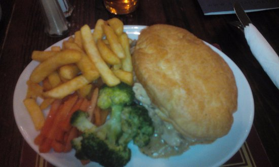 Canvey Island, UK: Pie and chips
