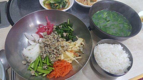 Hadong-gun, South Korea: 하동 참한우촌. 한우등심도 너무 맛있고요. 재첩국 진짜 진국이예요. 맛있습니다