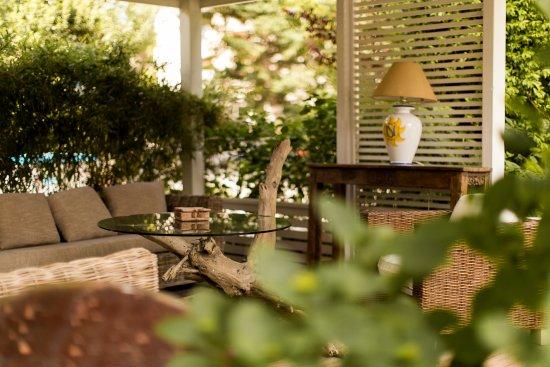 Gazebo area relax hotel saraceno con giardino milano marittima hotel