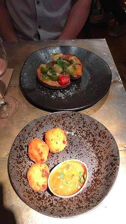 Surbiton, UK: Brushetta and arancini