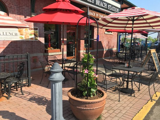 Bradley Beach, NJ: Plenty of outdoor seating