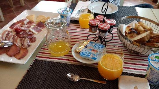 Oprtalj, Croatia: Breakfast