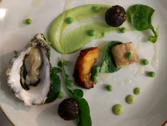 Armagh, UK: ell, oyster, pudding, pea, apricot
