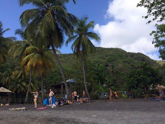 Les Anses d'Arlet, Martinica: plage sable noir