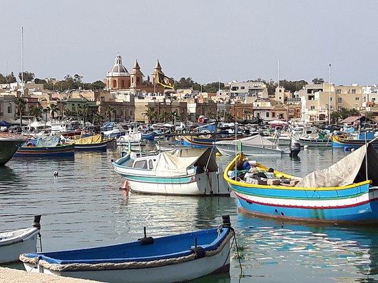Marsaxlokk, Malta: Widok z wybrzeża